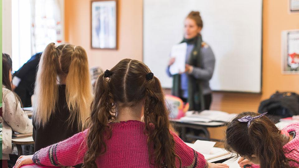 Οι μαθητές προτιμούν τα Κέντρα Ξένων Γλωσσών